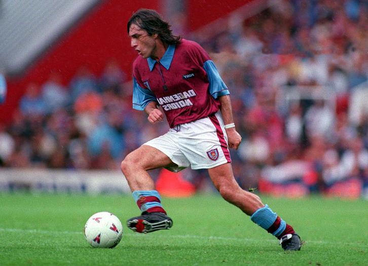 Paulo Futre in action for West Ham