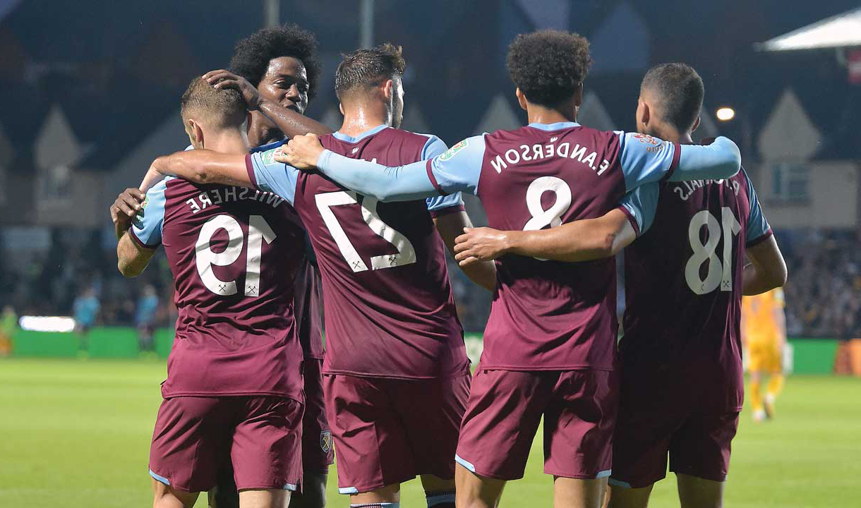 The Hammers celebrate 威尔谢尔's goal at Newport