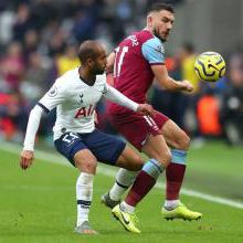 Robert Snodgrass holds off Lucas Moura