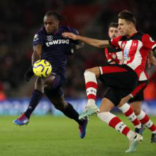 Michail Antonio in action at 南安普敦