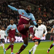 Arthur Masuaku in action against 利物浦