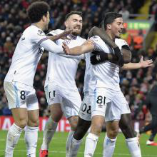 Fornals celebrates his goal against Liverpool at Anfield