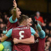 The Hammers celebrate at Everton