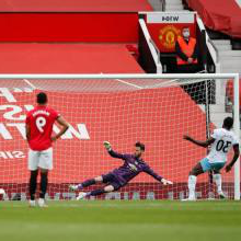 Michail Antonio scores his penalty against Manchester United