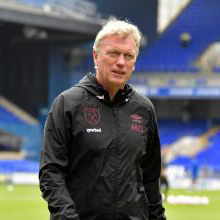 新万博体育 manager David Moyes at Portman Road