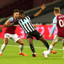 Ryan Fredericks challenges Allan Saint-Maximin
