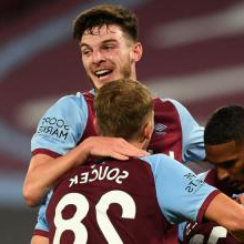 Declan Rice celebrates the win against Wolves