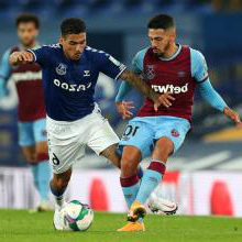 Manuel Lanzini in action at 埃弗顿