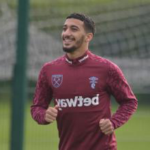 Saïd Benrahma trains with his West Ham teammates