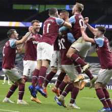 West Ham celebrate at Tottenham
