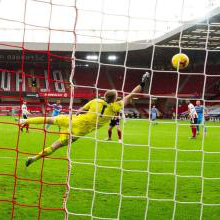 Sebastien Haller scores at Sheffield United