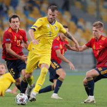 Andriy Yarmolenko in action