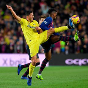 Pablo Fornals in action against Barcelona