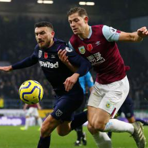Robert Snodgrass battles with James Tarkowski