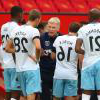David Moyes gives instructions to his team at 曼联